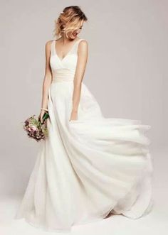 Anne Barge, Wedding Dress Photos by The Nordstrom Wedding Suite - Image 1 of 4 - WeddingWire Mobile Casual Wedding, Wedding Suits, Wedding Attire, Ny Dress, Silk Dress, Spring Wedding, Dream Wedding, Bridal Gowns, Wedding Gowns