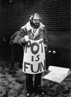 Allen Ginsberg  photo by Benedict Fernandez, December 1963