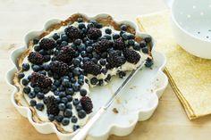 Une bonne tarte, pour un bon weekend – Torten Chefs, Paleo Dessert, Dessert Food, Cheesecake Classique, Blackberry Pie Recipes, Blackberry Cheesecake, Tart Recipes, Light Summer Desserts, Mulberry Recipes