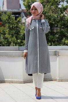 İZ OTANTİK - GENİŞ KESİM TUNİK - ST9A111 Islamic Fashion, Muslim Fashion, Fashion Wear, Modest Fashion, Hijab Fashion, Fashion Outfits, Womens Fashion, Stylish Hijab, Modern Hijab