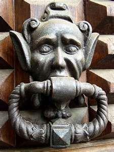 Pistoia massive door knocker posted on Our trip to Tuscany and Montefeltro in… Antique Door Knockers, Door Knobs And Knockers, Knobs And Handles, Door Handles, Vintage Doors, Antique Doors, Door Detail, Cool Doors, Door Accessories