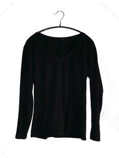 Black V-neck T-shirt Long Sleeve | H&M