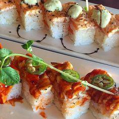 aburi oshi sushi from sushi loku - salmon and spicy tuna by allmycrumbs Oshi Sushi, Sushi Lunch, Salmon Avocado, Seafood Salad, Tempura, Prawn, Japanese Food, Tuna