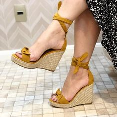 Cute Shoes Heels, Shoes Heels Wedges, Pretty Shoes, Wedge Shoes, Me Too Shoes, Shoe Boots, Strap Heels, Ankle Strap Wedges, Stylish Sandals