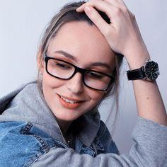 32 Eyeglasses Trends For Women 2020 Glasses Frames Trendy, Eyeglasses Frames For Women, Sunglasses Women, Glasses Trends, Lunette Style, Eyewear Trends, Womens Glasses, Looks Vintage