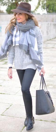 Grey Cable Knit Jumper by Te Cuento Mis Trucos.