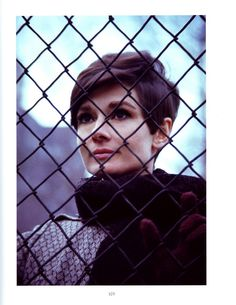 Love Audrey Hepburn's short hair. This is my new style. She's my role model!! ;-)