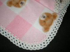 Crochet Edging This edging is amazingly fast and simple to do, and looks very pretty! You can use any worsted or baby weight yarn. Punch holes in your. Crochet Baby Blanket Borders, Fleece Blanket Edging, Crochet Boarders, Crochet Baby Blanket Beginner, Crochet Edging Patterns, Fleece Blankets, Baby Blankets, Baby Afghans, Weighted Blanket