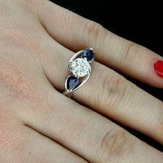 Ring Sapphire and Diamonds