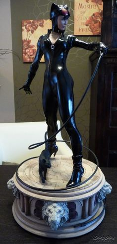 [SIDESHOW] Catwoman Exclusive Premium Format Statue Review