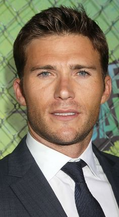 VJBrendan.com: Scott Eastwood at the 'Suicide Squad' Premiere in ...
