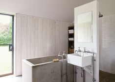 modern betonbútorok Wabi Sabi, Rustic Furniture, Bathroom Lighting, Mirror, Design, Home Decor, Home Decoration, Bathroom Light Fittings, Bathroom Vanity Lighting