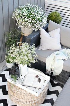 Buitenleven | 24x inspiratie - Klein balkon inrichten - Stijlvol Styling Woonblog www.stijlvolstyling.com