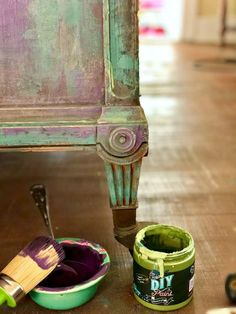 How to layer and blend color - Frozen paint finish; How to layer and blend color Frozen paint finish; How to layer and blend color Chalk Paint Furniture, Hand Painted Furniture, Distressed Furniture, Funky Furniture, Refurbished Furniture, Repurposed Furniture, Furniture Projects, Furniture Makeover, Furniture Design
