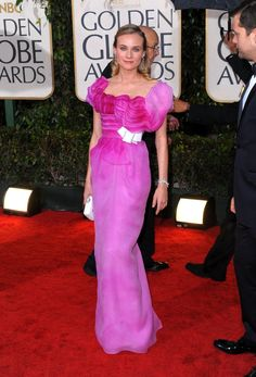 Pin for Later: Die glamourösesten Kleider vergangener Golden Globes Diane Kruger in Christian Lacroix bei den Golden Globes (2010)