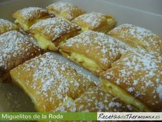 Miguelitos de la Roda con Thermomix Flan, I Foods, Cake Recipes, French Toast, Good Food, Sweets, Breakfast, Desserts, Board