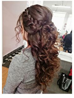 Quince Hairstyles, Bride Hairstyles, Down Hairstyles, Easy Hairstyles, Pretty Hairstyles, Prom Hairstyles For Long Hair Half Up, Brunette Wedding Hairstyles, Scarf Hairstyles, Quinceanera Hairstyles