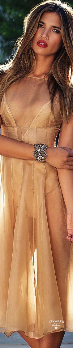 Lurelly Fabulous New Arrivals Fashion Brand, Fashion Tips, Style Fashion, Golden Goddess, Paris Dresses, Shades Of Beige, Gold Fashion, Paris Fashion, Luxury Lingerie