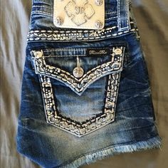 Miss Me shorts Size 25 super cute shorts in excellent condition!  Purchased from Buckle.  Trades Miss Me Shorts Jean Shorts