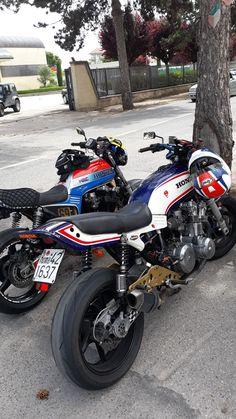 Honda Scrambler, Honda Cb750, Ducati, Moto Car, Honda Bikes, Japanese Motorcycle, Cool Motorcycles, Mopeds, Super Bikes