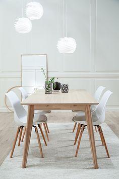 Classic dining room Scandinavian Living