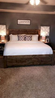 Modern farmhouse style combines the traditional with the new makes any space super cozy. Discover best rustic farmhouse bedroom decor ideas and design tips. Farmhouse Master Bedroom, Master Bedroom Design, Home Decor Bedroom, Modern Bedroom, Master Bedrooms, Bedroom Bed, Bedroom Designs, Master Room, Master Bedroom Furniture Ideas