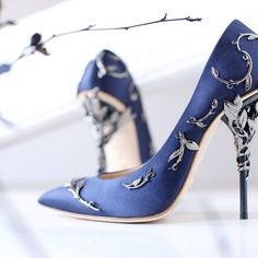 The amazingly exquisite heels of Ralph & Russo's stilettos from its Fall/Winter 2015/2016 collection, with designs namely 'Baroque', 'Eden' and 'Pendant', are now available for pre-order from Harrods and directly from its website at ralphandrusso.com  https://www.flickr.com/photos/senatusnet/21832754499/