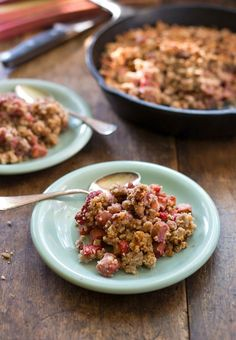 Paleo Strawberry Rhubarb Crisp Paleo Schmeleo but it looks tasty.