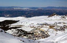 Les majestueuses montagnes de la Sierra Nevada abritent la station de ski la plus méridionale d'Europe.
