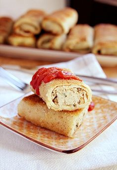 Panckaes stuffed with chicken, mushrooms and cabbage. (in Polish with translator) Sandwiches For Lunch, Mushroom Chicken, Pancakes And Waffles, Chicken Sandwich, Sugar And Spice, Healthy Chicken Recipes, Poultry, Stuffed Mushrooms, Dinner Recipes