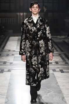 Alexander McQueen Autumn/Winter 2016-17 Menswear London Fashion Week