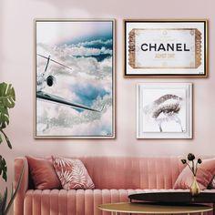 Silver Wall Decor, Silver Walls, Wall Decor Set, Bedroom Frames, Bedroom Ideas, Bedroom Decor, Dyi, White Shadow Box, Glam Room