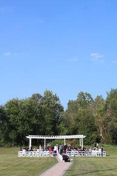 Beautiful outdoor ceremony - Belle Salle