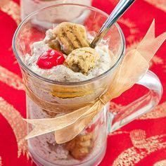 Luumutrifle on näppärä jouluinen kerrosjälkiruoka. Cereal, Ice Cream, Pudding, Dessert Ideas, Breakfast, Desserts, Food, No Churn Ice Cream, Morning Coffee