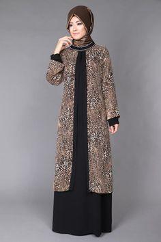 Hijab Gown, Hijab Evening Dress, Hijab Dress Party, Abaya Mode, Mode Hijab, Abaya Designs, Abaya Fashion, Fashion Dresses, Muslimah Wedding Dress