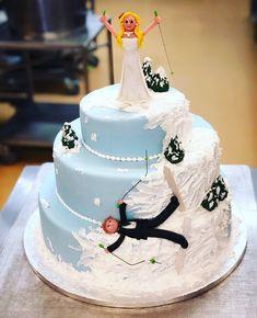 Was haltet ihr von dieser Variante einer Hochzeitstorte 🤷🏼♂️🤔😅 . . . #lheiner #konditorei #konditor #kuk #zuckerbäcker #wien #österreich…