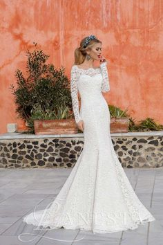 "Lace Wedding Dress with Long Sleeve, Train. LANESTA ""Limbo"""