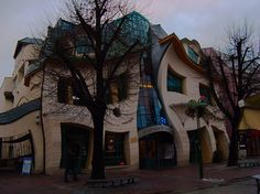 Crooked House in Sopot, Poland [Flickr: Arek Olek]