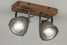 Artikel 12591 Landelijk en industrieel tegelijk! Deze trendy, dubbele spot is gemaakt van gegalvaniseerd metaal en hout. De plafondplaat omvat het houten gedeelte en de spots zelf het metalen gedeelte. De spots zijn zowel draai-als kantelbaar zodat u de lichtbundels eenvoudig kunt richten. Deze spots zijn voorzien van een GU10 fitting en daardoor ook zeer geschikt om te gebruiken met vervangbaar led. Track Lighting, Ceiling Lights, Led, Design, Home Decor, Decoration Home, Room Decor, Outdoor Ceiling Lights