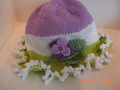 Knit_cotton_sun_hat_with_flowers_and_picot_edge_brim...FREE PATTERN