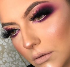 Makeup looks – Lush Makeup Ideas Eye Makeup Cut Crease, Purple Eye Makeup, Glam Makeup, Eyeshadow Makeup, Beauty Makeup, Maroon Makeup, Makeup Eyes, Makeup Trends, Makeup Inspo