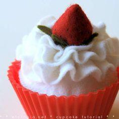 feltro cupcake-looks good enough to eat, LOL