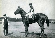 Man O' War at the Travers Stakes, which he won as a three year old.