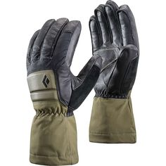Built with hardshell fabric, PrimaLoft® insulation and a BD.dry™ waterproof insert, the Black Diamond HeavyWeight Waterproof gloves are perfect for active days in wet conditions. Black Diamond Gloves, Mechanic Gloves, Insulated Gloves, Waterproof Gloves, Best Gloves, Back Of Hand, Mens Outdoor Clothing, Mitten Gloves, Mittens