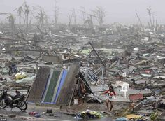 Starvation and fear in the land laid waste by typhoon that killed at least Dazed survivors scour the streets for food and mobs attack aid trucks in Philippines Hurricane Storm, Severe Storms, Tornadoes, Severe Weather, End Of The World, Natural Disasters, Destruction, Philippines, Mother Nature