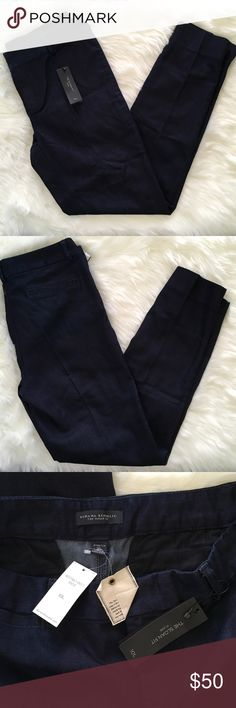 "Banana Republic The Sloan Fit Flare Jeans Size 10L Banana Republic The Sloan Fit Flare Jeans. Size 10L. Waist approx 35"", inseam approx 30"". Banana Republic Jeans Flare & Wide Leg"