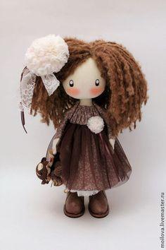 Pueblos Hechos a mano. Masters Feria - muñeca del hecha a mano Lily Curly…