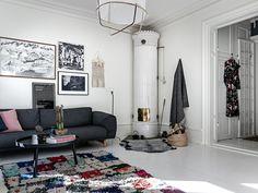 Op zoek naar inspiratie om meer kleur en warmte toe te voegen aan jouw witte woonkamer? Klik hier en kom binnenkijken in deze kleurrijke witte woonkamer!
