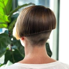 Bob Hairstyles – The Great Look Through The Years – Stylish Hairstyles Shaved Bob, Shaved Hair Cuts, Shaved Nape, Short Hair Cuts, Short Hair Styles, Girls Short Haircuts, Short Hairstyles For Women, Undercut Hairstyles, Cool Hairstyles