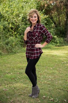 Mad For Plaid Shirt - Burgundy Plaid Shirt Outfits, Cute Outfits, Work Outfits, Tartan Fashion, Autumn Fashion, Glamour Farms, Fall Winter Outfits, Capsule Wardrobe, What To Wear